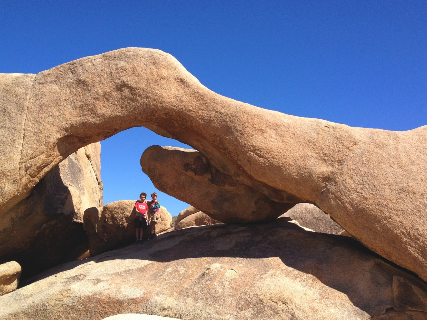 Arch Rock on White Tank hiking trail in Joshua Tree