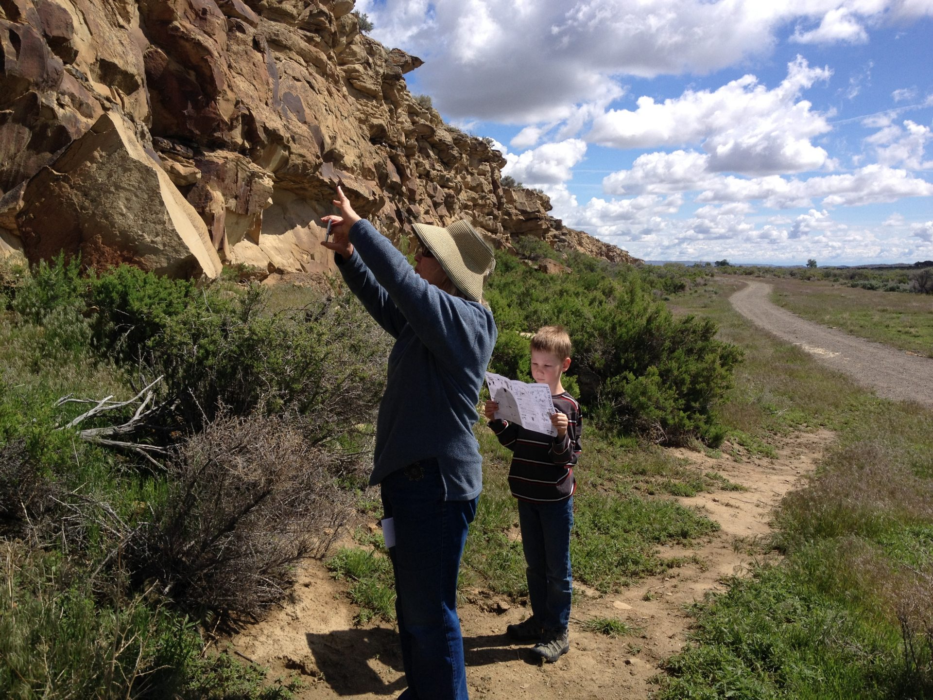 Using the interpretive map to understand the petroglyphs at Legend Rock