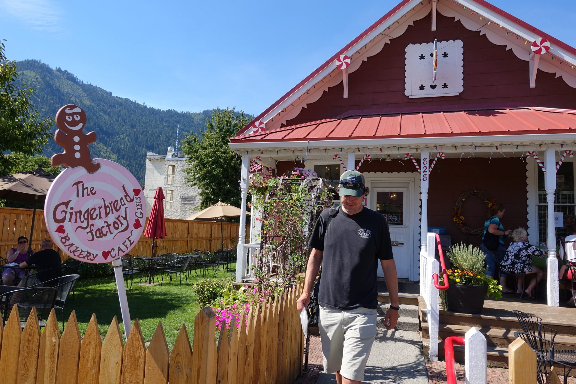 things to see in eastern Washington Gingerbread Factory in Leavenworth Washington. Things to do with kids in Washington