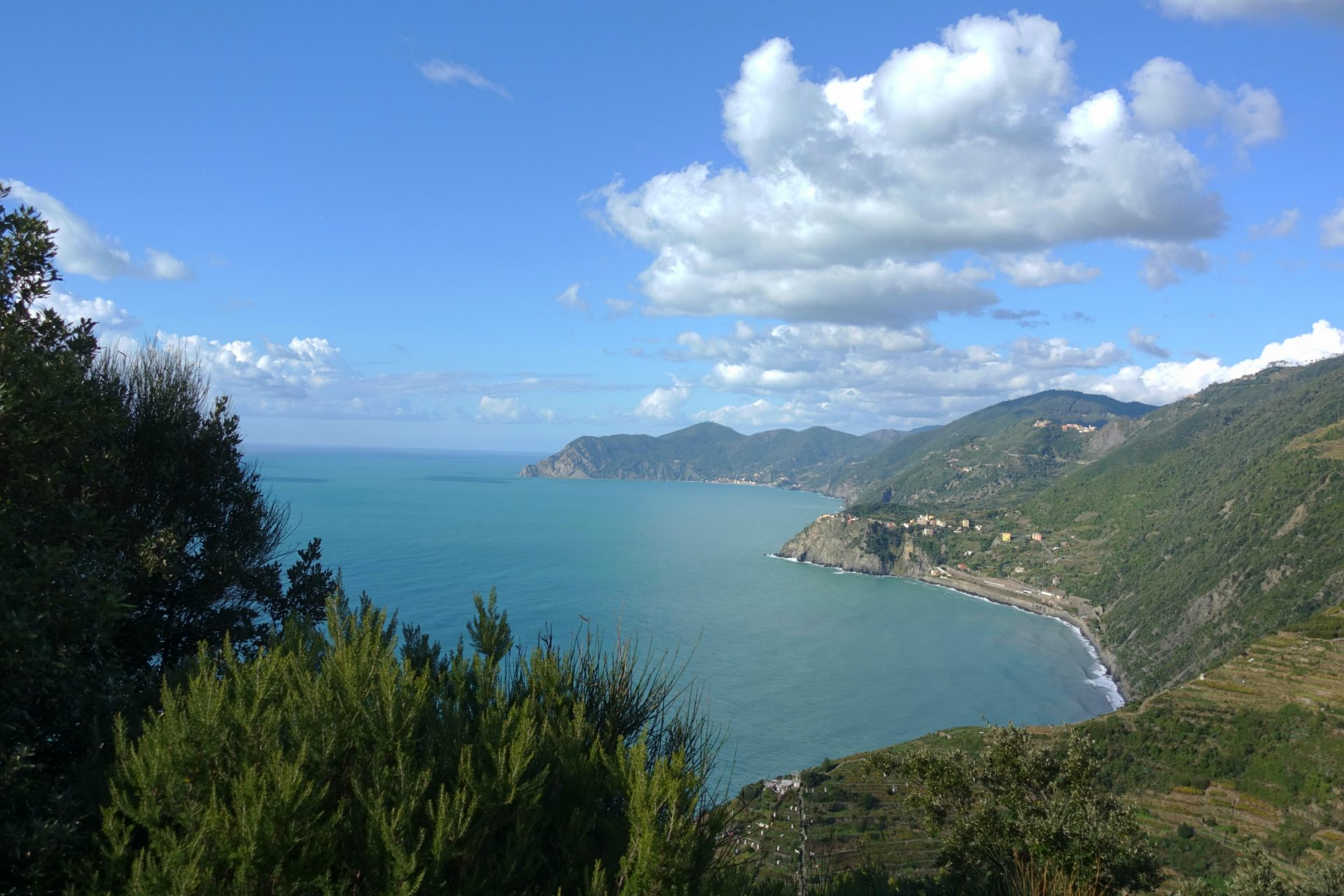 hiking cinque terre with kids
