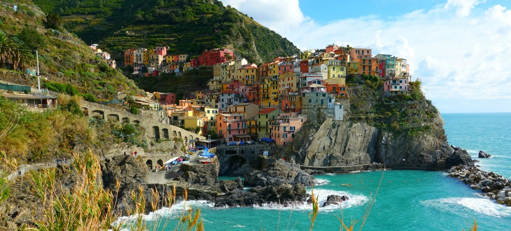 visiting Cinque Terre with kids hiking in cinque terre