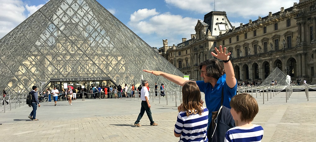 The best way to see the Louvre with kids and families