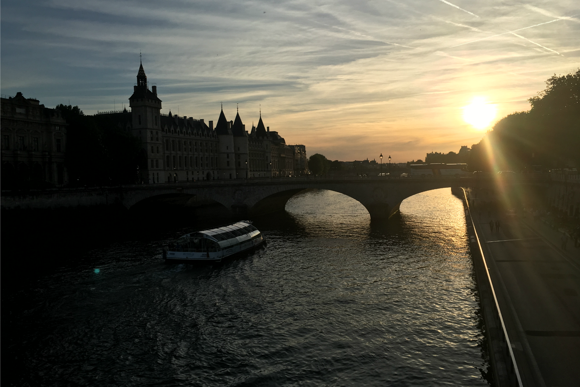 Girls weekend in Paris sunset over the Seine
