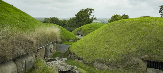 Visiting Newgrange and Knowth Passage Tombs (Bru na Boinne Ireland)