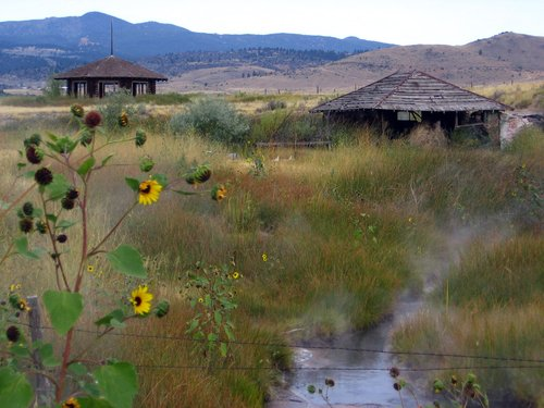 pipestone hot springs resort