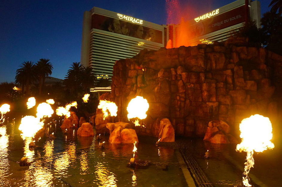 Free things to do in Vegas - the volcano at the Mirage