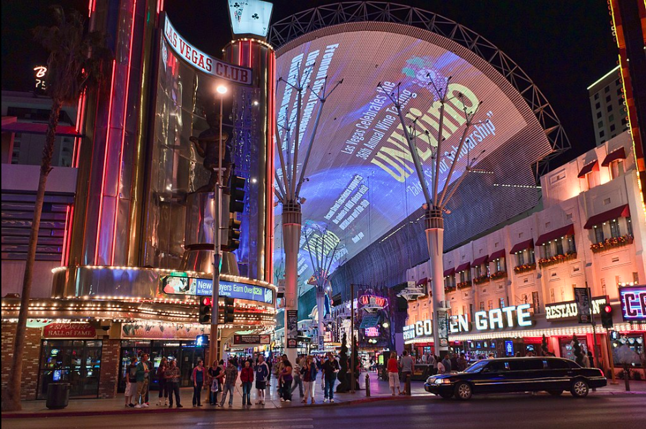Free fun in Las vegas at the Fremont Street Experience