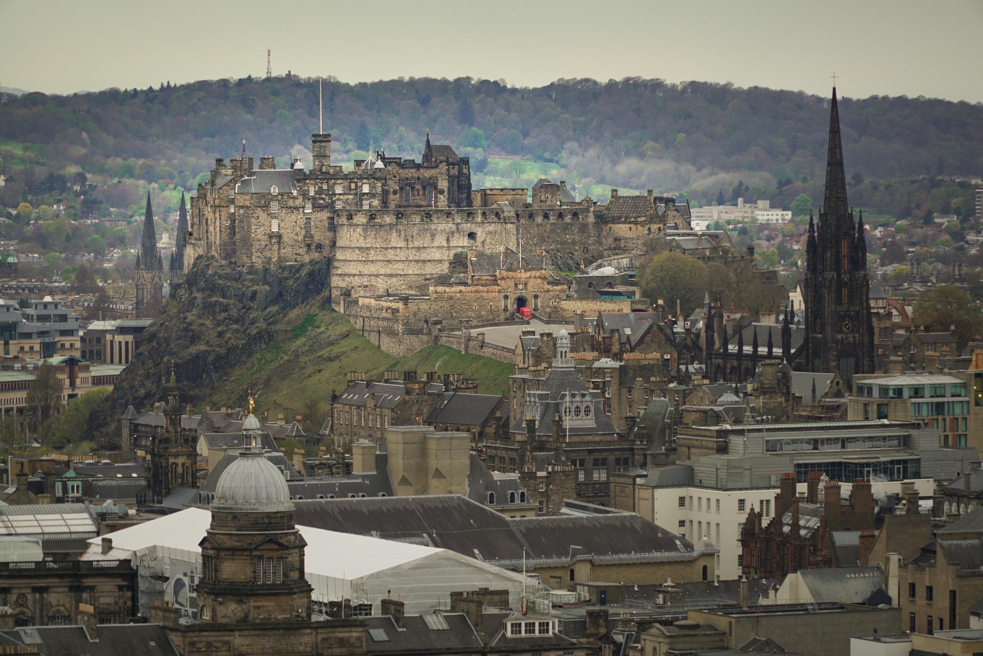 classic Scottish fiction set in Edinburgh