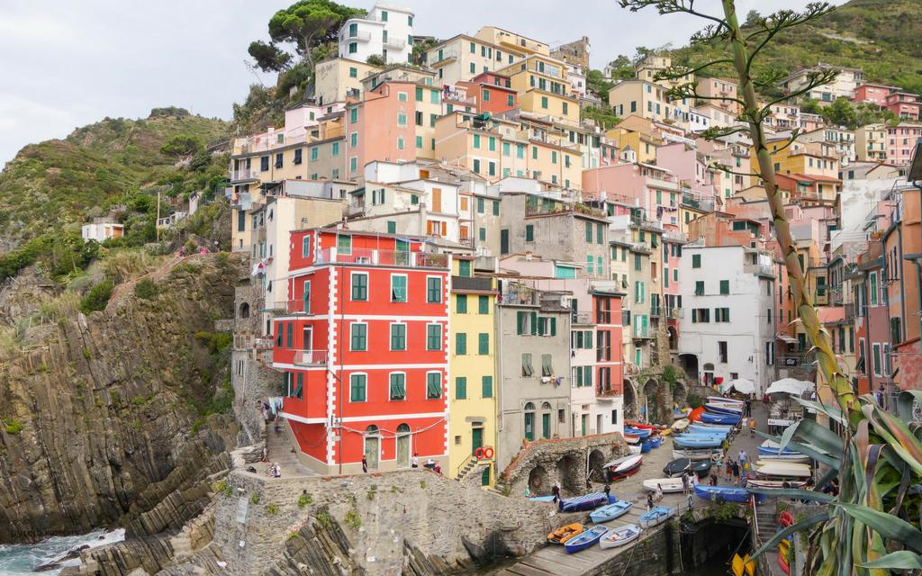 check the cinque terre cruise time schedule
