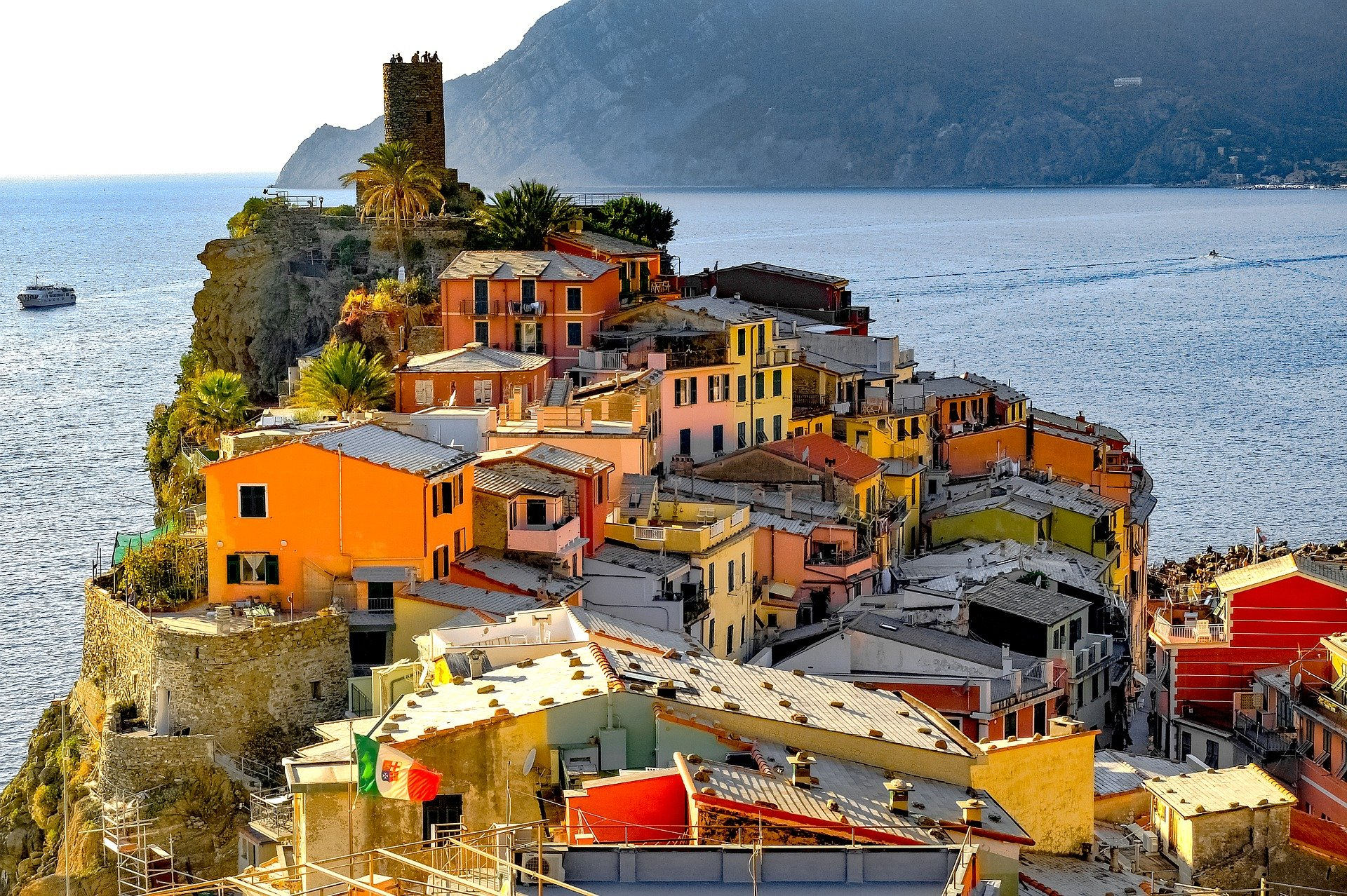 Vernazza is one of the towns you can visit on day trips from Florence to Cinque Terre