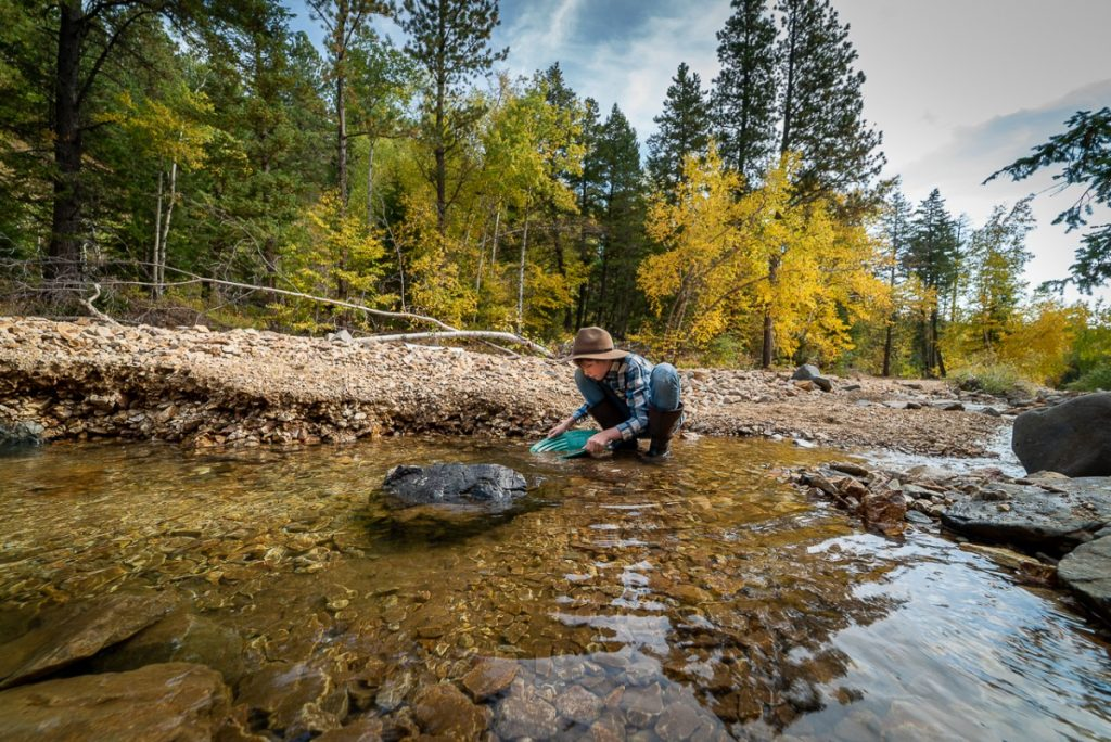 where to go gold panning in Montana