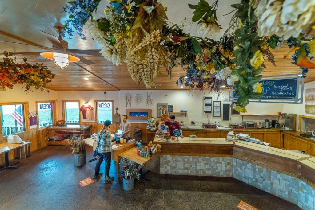interior restaurant with flowers