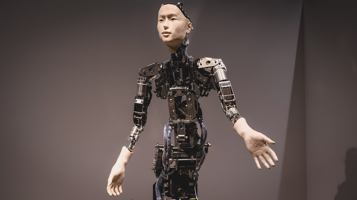 where to find robots in Japan, best things to do in Japan