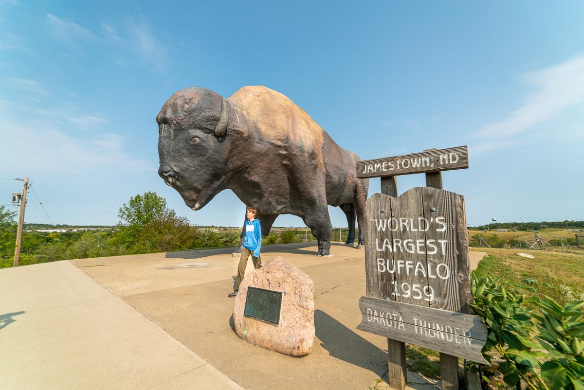 World's largest buffalo North Dakota's famous landmarks