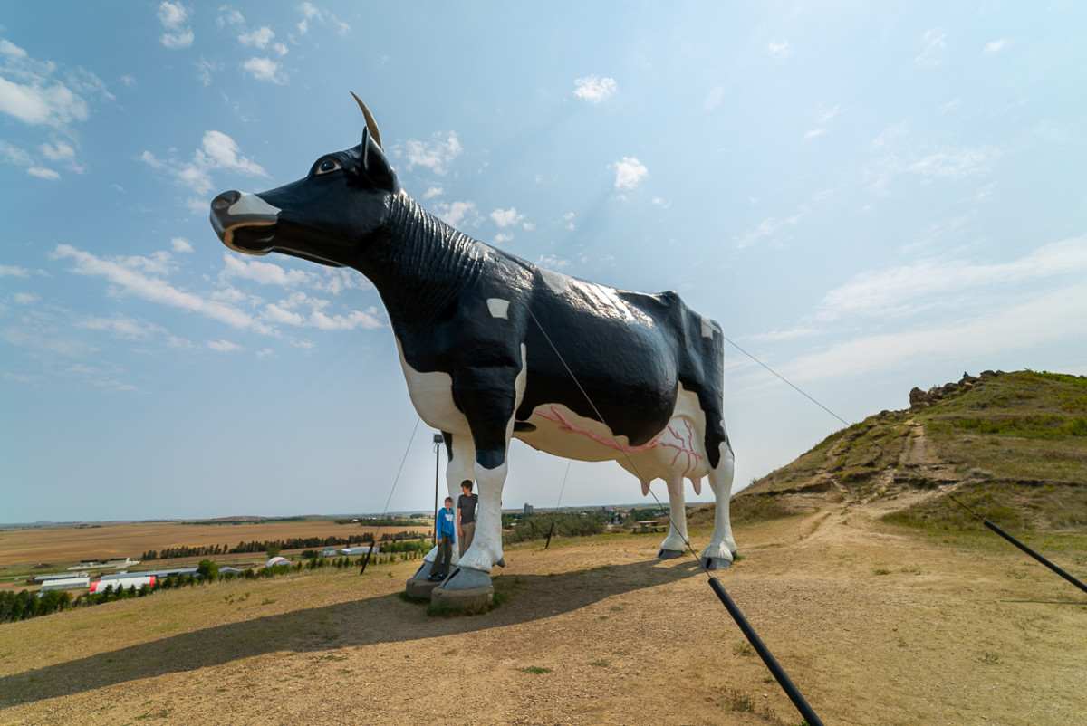North Dakota attractions, Salem Sue the world's largest cow