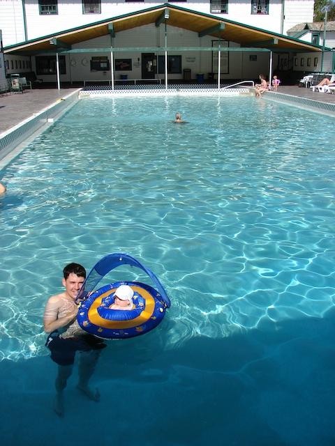 Chico pool
